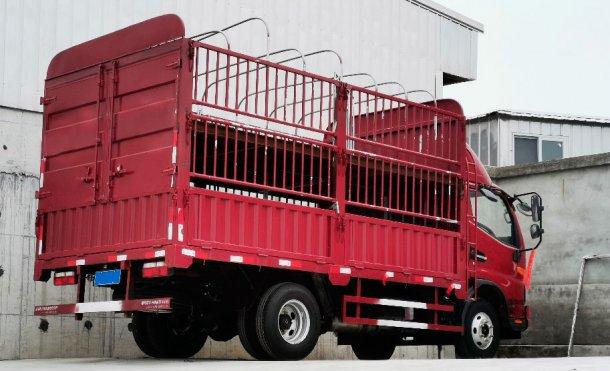 Imagen 2. Camião interno para movimento de um menor número de animais. Cortesia de DanAg Group, China.