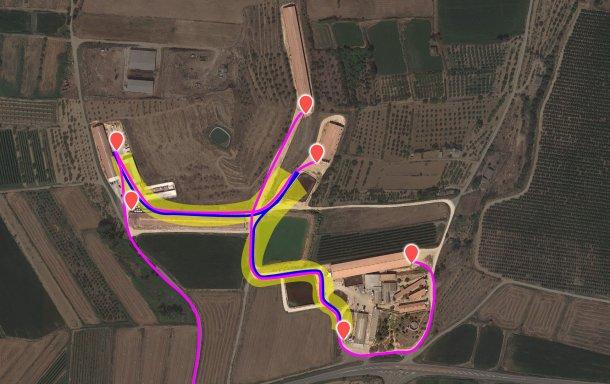 Imagem 3. Fluxo de tráfego actual. O camião interno foi representado a azul e o externo a lilás. O risco amarelo representa a zona de risco de contaminação cruzada.