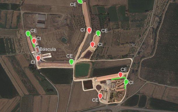 Imagem 6. A verde estão representados os novos cais de carga propostos (pontos verdes) e as duas plataformas criadas (também a verde). CI: Cais de carga interno; CE:  Cais de carga externo.