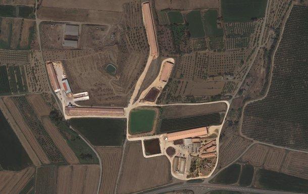Imagem 1. Visão da área e dos diferentes pavilhões que constituem a exploração.